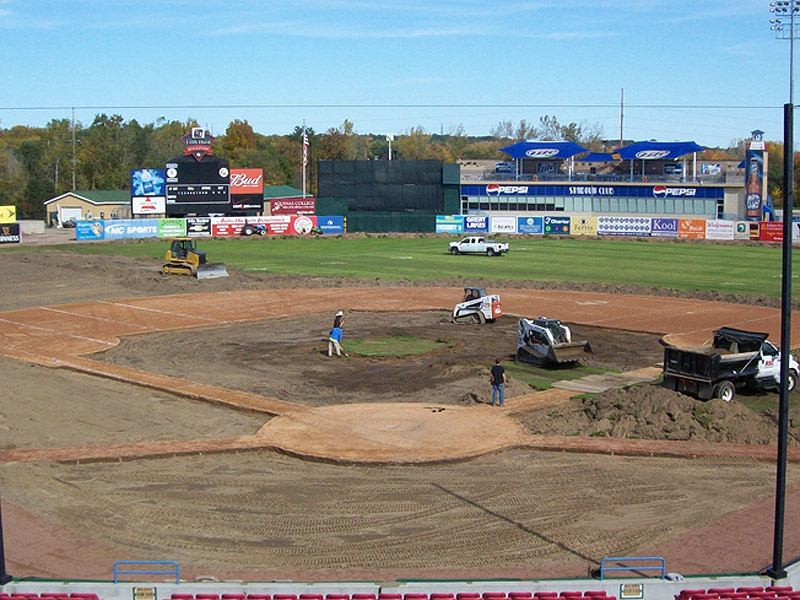 Fifth Third - Sod and Soil Removal